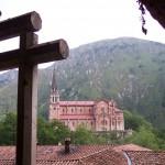 Covadonga desde la Cueva de la Virgen