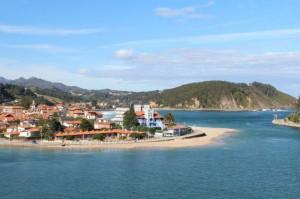 Playa de Santa Marina , en Ribadesella , a 15 km de El Trechal